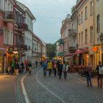 Pilies_Street_at_dusk_Vilnius_Lithuania_-_Diliff